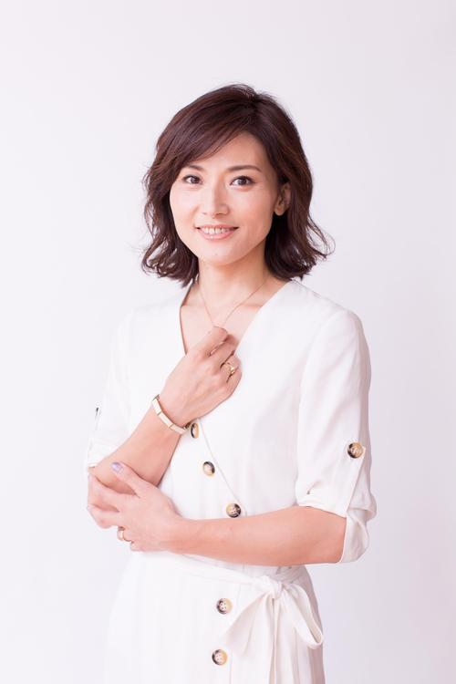 Photo of Emi Kaneko signs a contract with Repro Entertainment