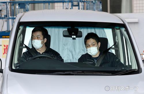 Photo of Send Makihara Takayuki a suspected expression on the curtain
