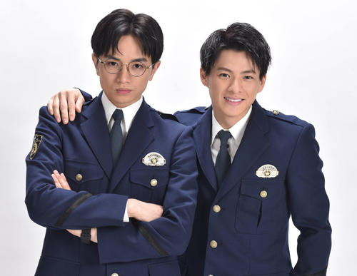 Photo of Kento Nakajima and Shiyo Hirano perform for the first time as a student at a police school