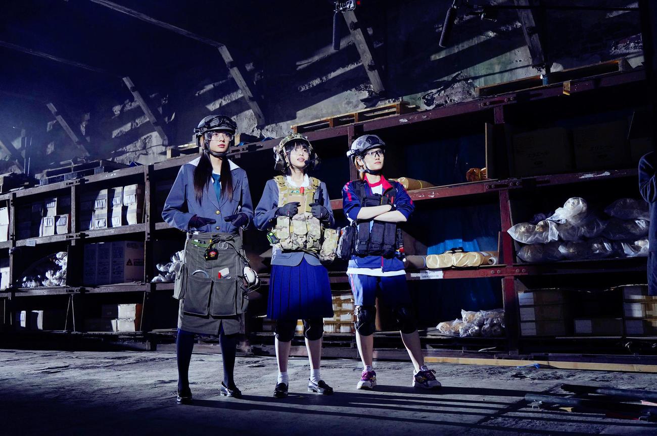 「映像研には手を出すな!」のワンシーン。手前左から梅澤美波、齋藤飛鳥、山下美月