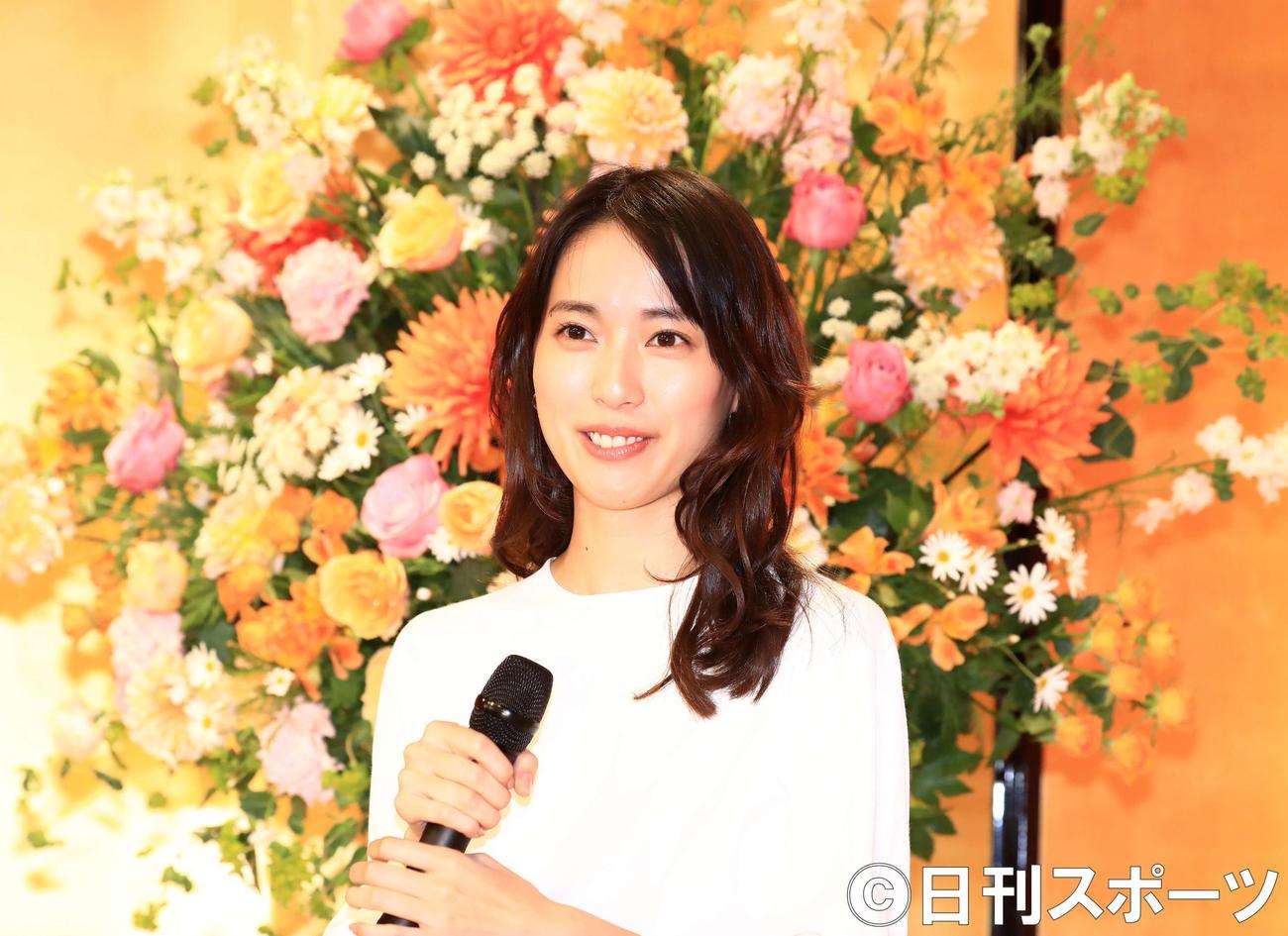 NHK連続テレビ小説「スカーレット」のヒロイン役が決まり会見を行う戸田恵梨香(撮影・江口和貴)
