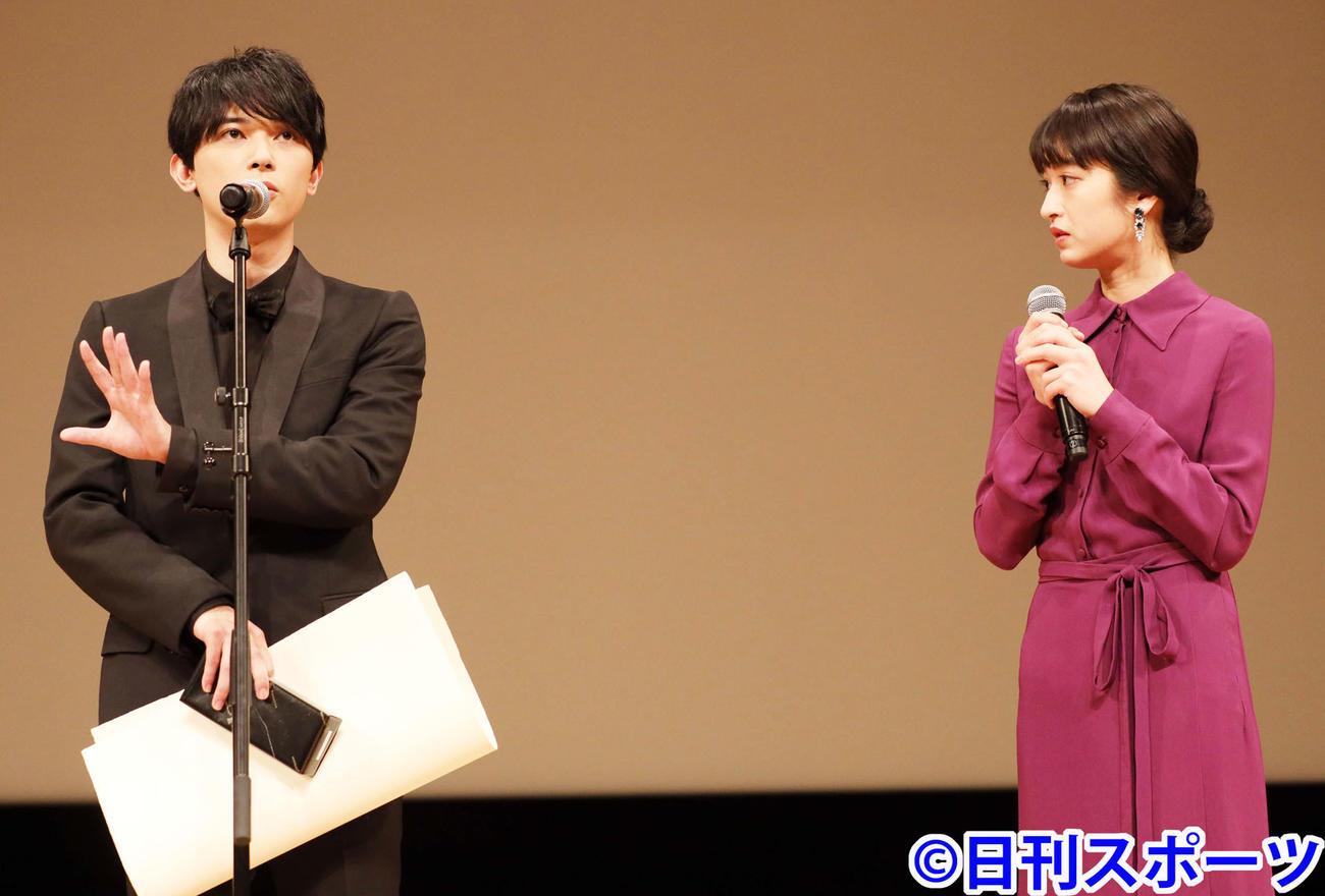 「キングダム」で助演男優賞を受賞する吉沢亮(左)と門脇麦(撮影・河田真司)