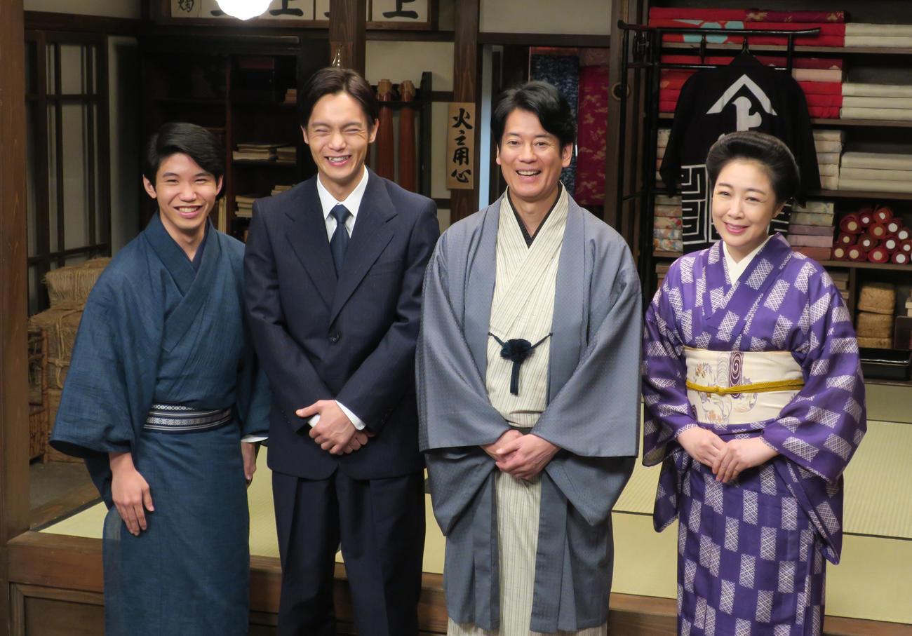 NHK連続テレビ小説「エール」の出演者たち。左から佐久本宝、窪田正孝、唐沢寿明、菊池桃子(2019年12月18日撮影)