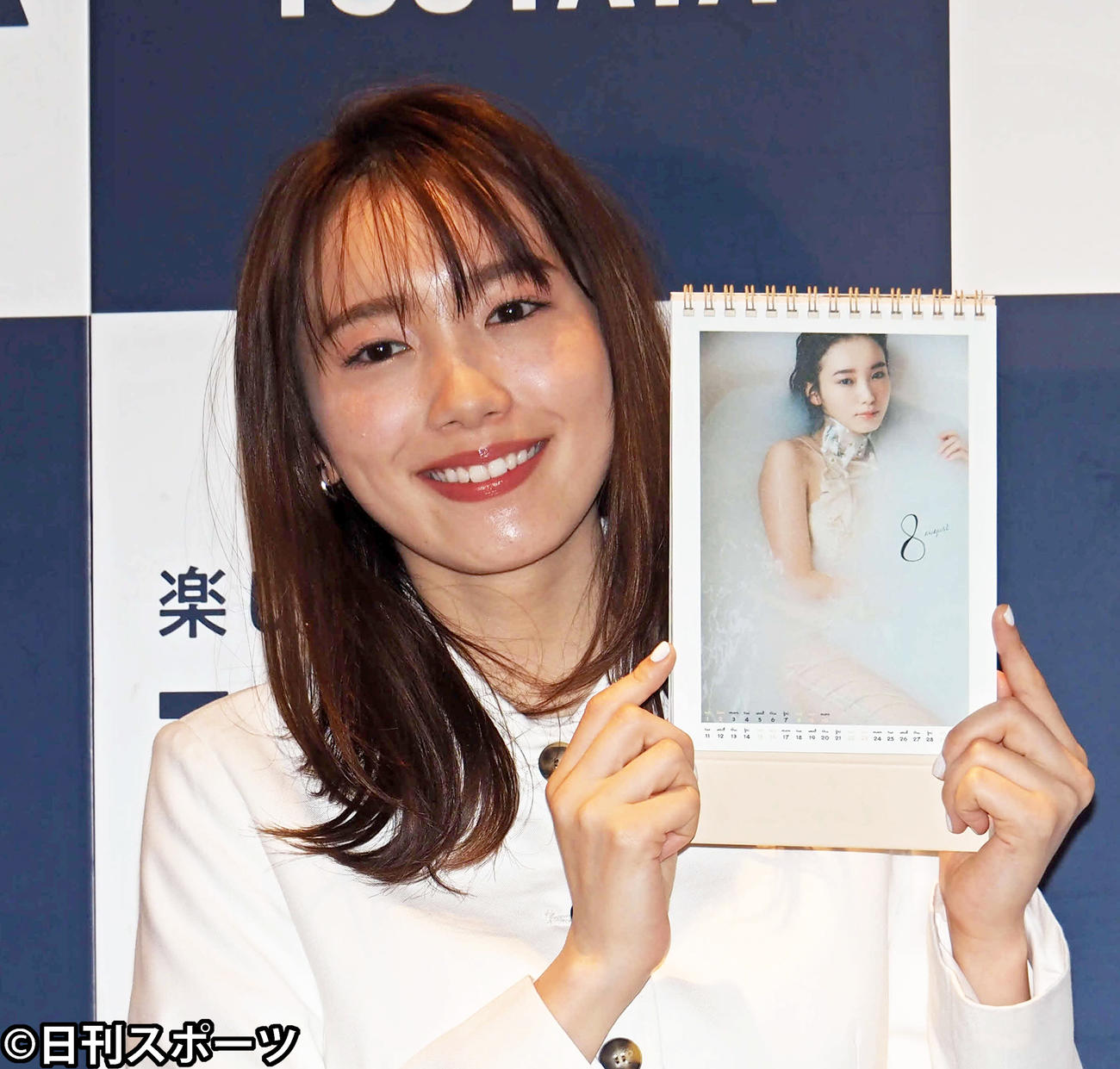 カレンダー発売記念イベントに出席した飯豊まりえ(撮影・遠藤尚子)