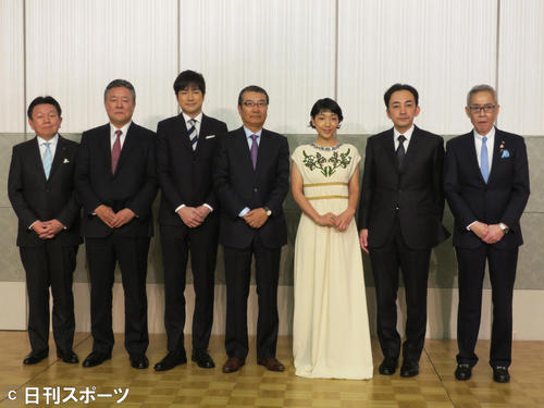 Photo of Japan Academy Awards reduced in size, award ceremony, no regular customers