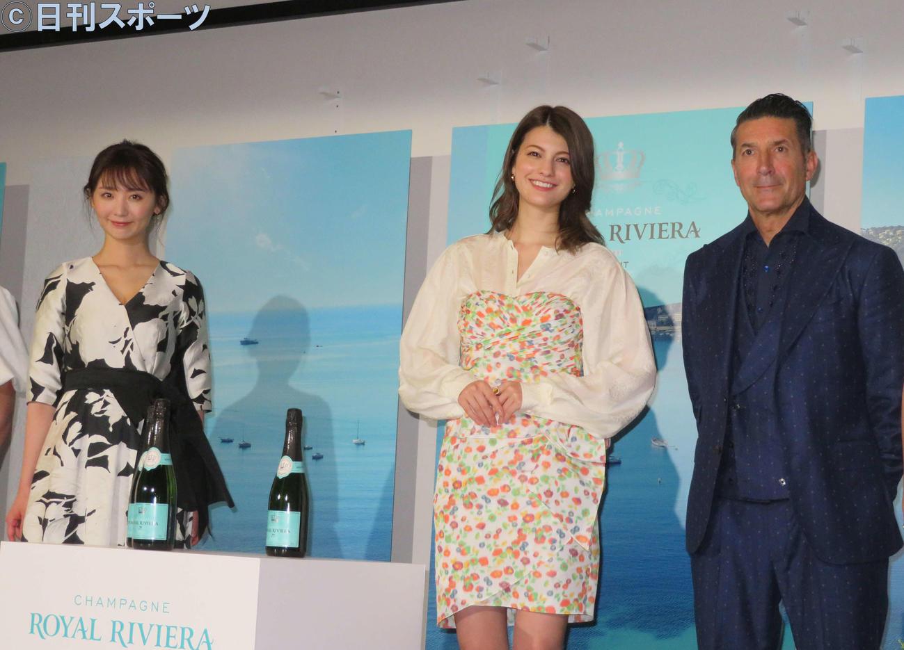 シャンパンのイベントに出席した左からおのののか、マギー、パンツェッタ・ジローラモ
