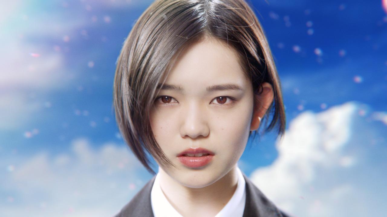 専門学校HALの新CMに出演する劇団4ドル50セント湯川玲菜