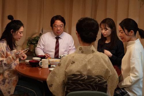 "Photo of Kazuhiko complains to his family ""Meteorite family"" episode 3 highlights"