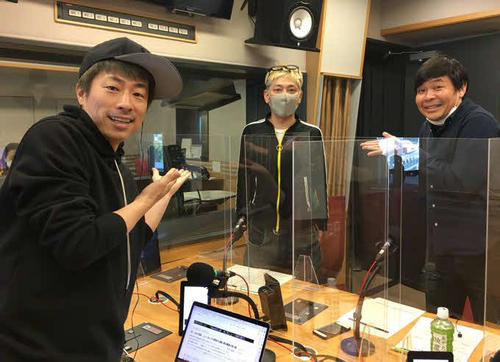 "Atsushi Tamura, Ryo Tamura, Keitaro Sunayama announcer from the left, who appeared in the news program ""London Boots No. 1 and No. 2 Tamura Jun's CLUB"" of Bunka Broadcasting."