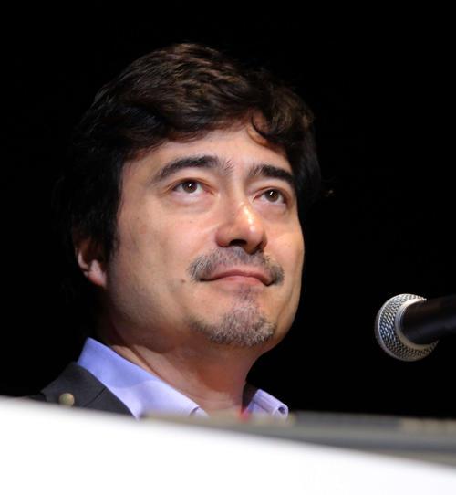 ジョン・カビラ(2010年2月26日撮影)