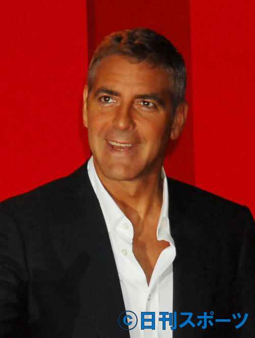"""Photo of G Clooney """"I'm not wearing pants right now"""" industry rescue video"""