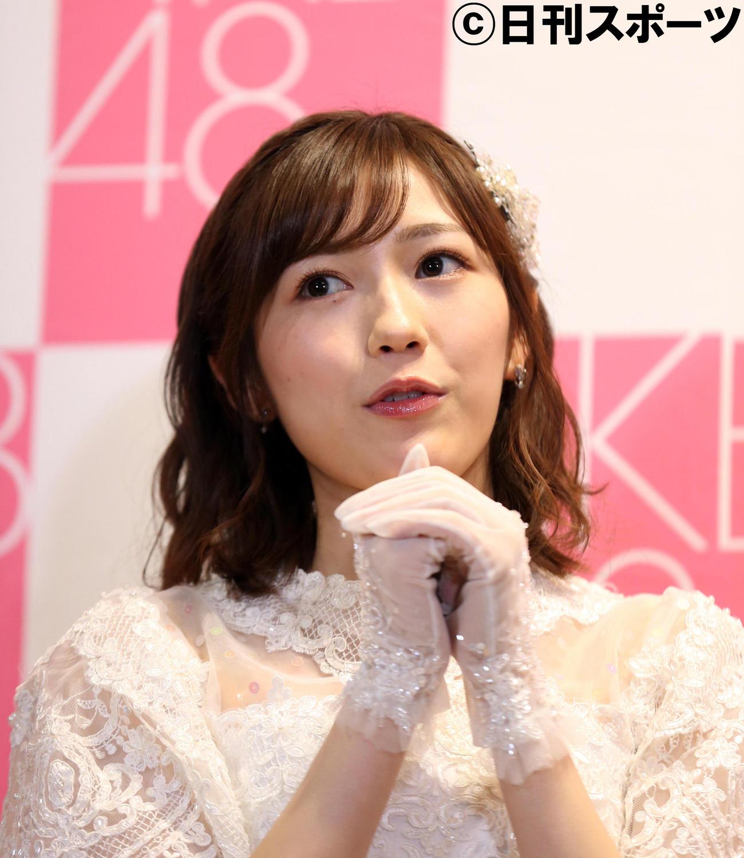 卒業公演後の会見で、AKB48での11年を振り返る渡辺麻友さん(2017年12月26日撮影)
