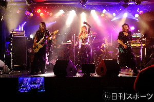 Photo of First SHOW-YA experience, 12 songs live singing with no audience