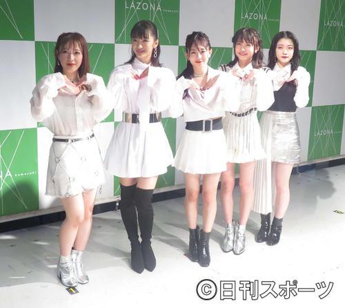 フェアリーズの左から井上理香子、下村実生、伊藤萌々香、林田真尋、野元空(19年7月撮影)