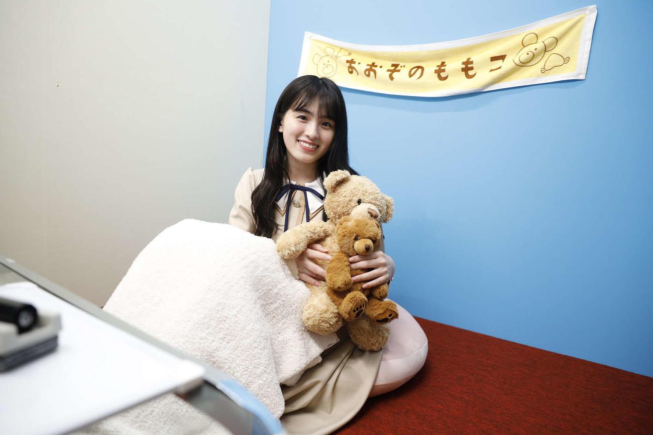 ABEMA「乃木坂46時間TV」個室ブースで笑顔を見せる大園桃子