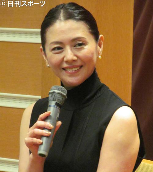 "Photo of Kyoko Koizumi on live radio ""Let's go to the election"""