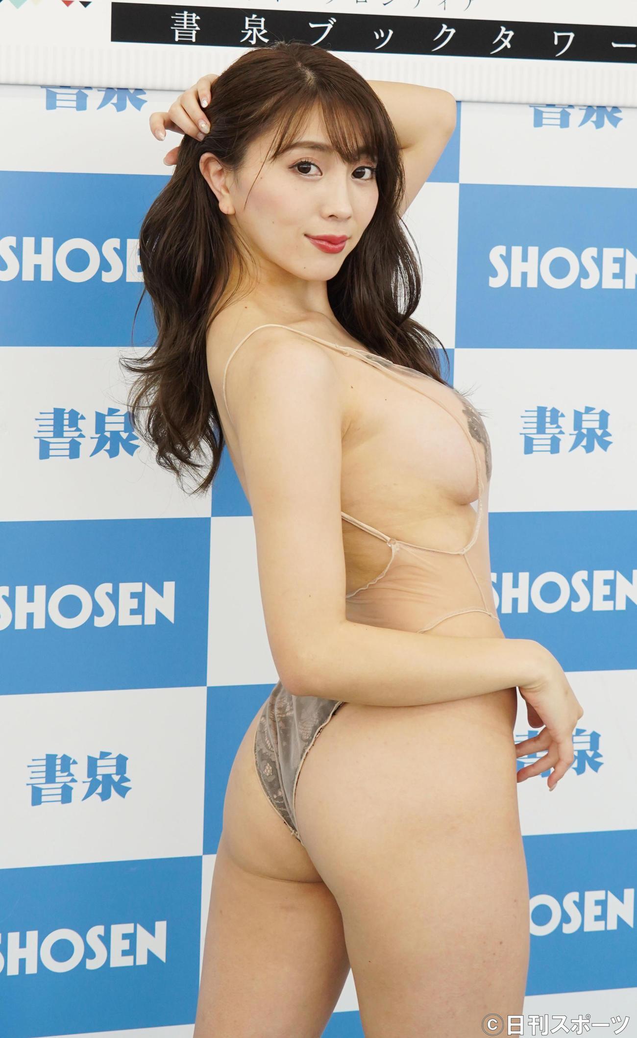 新DVD「淫ら」の発売記念イベントを行った森咲智美(撮影・佐藤成)