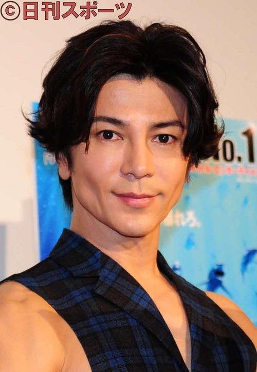 Photo of 武田真治 筋肉見せつつ静まなみとインスタ結婚報告