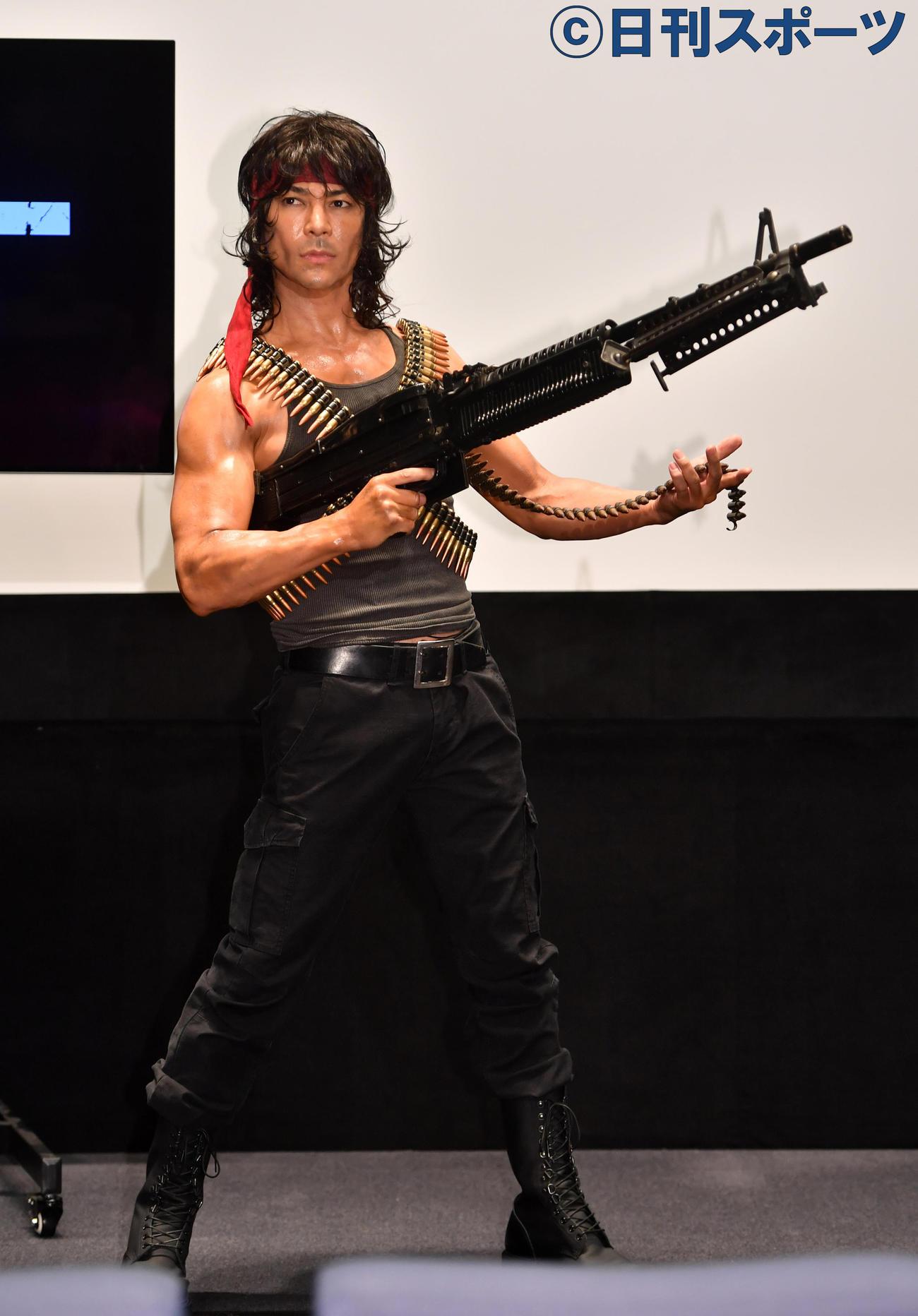 映画「ランボー ラスト・ブラッド」のイベントでランボーに扮した武田真治(20年6月17日撮影)