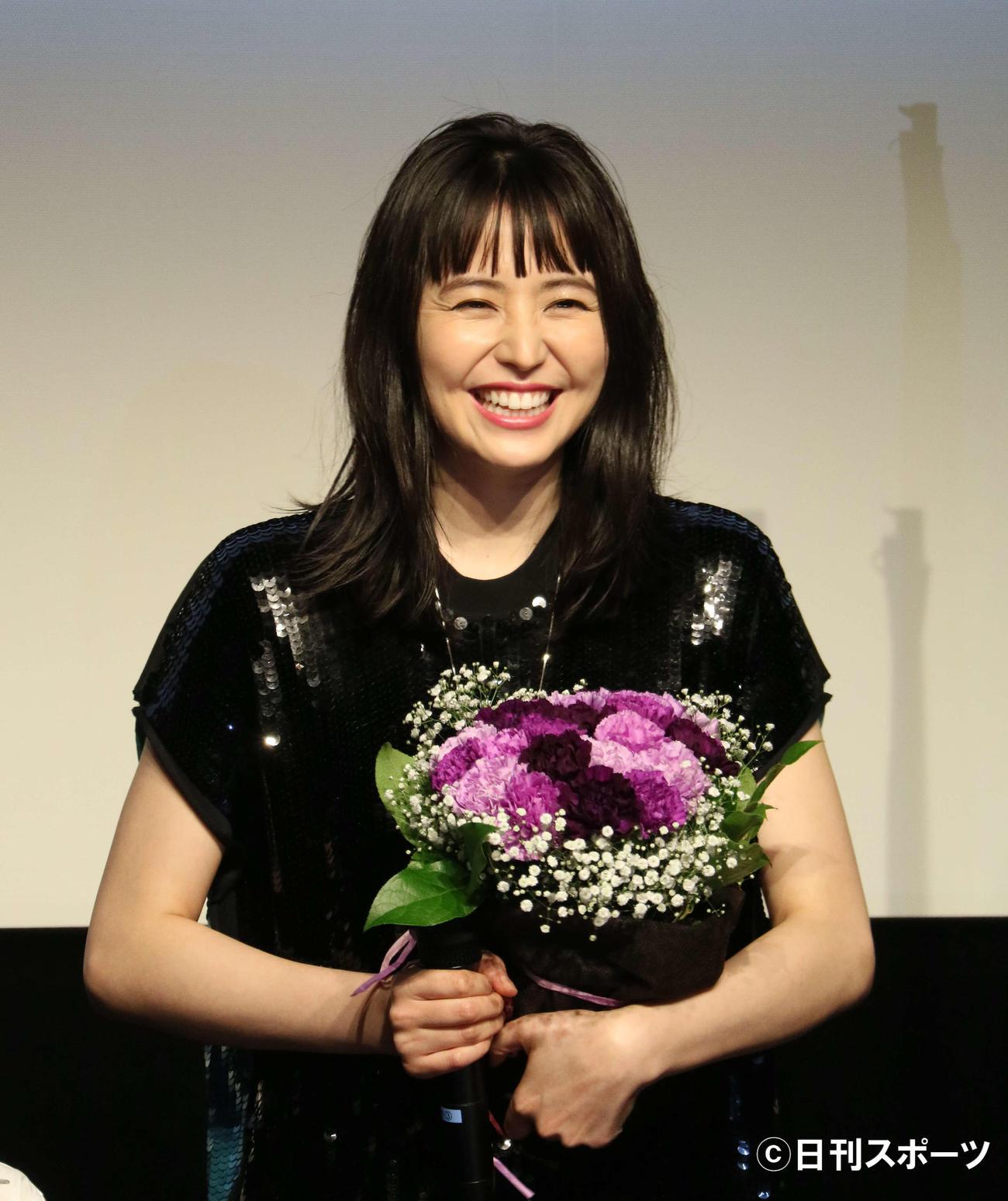 映画「MOTHER マザー」の公開記念舞台あいさつに出席した長沢まさみ