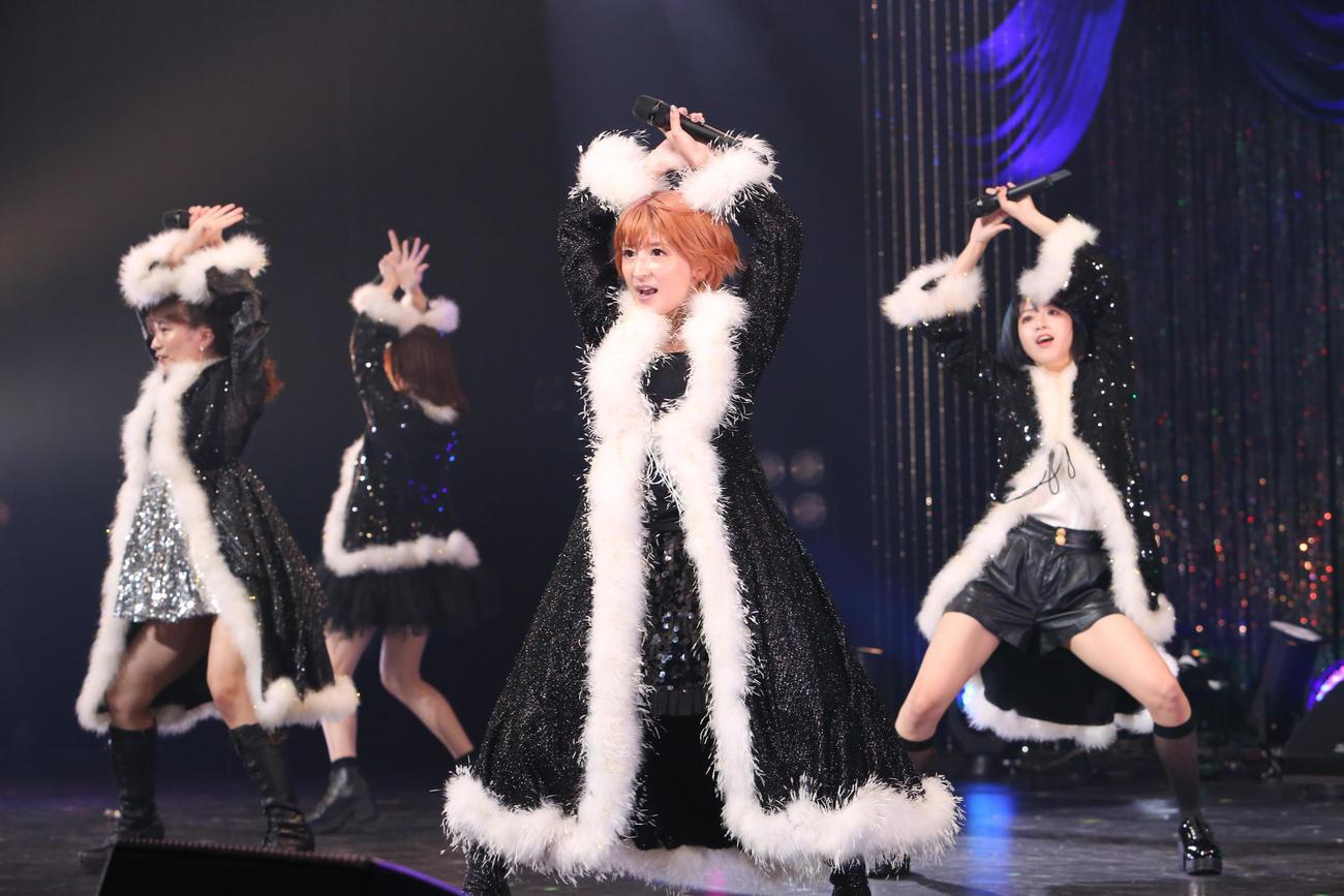 アイドルフェス「エイベの夏祭り」でパフォーマンスする矢口真里選抜の「ヤサマオシ」