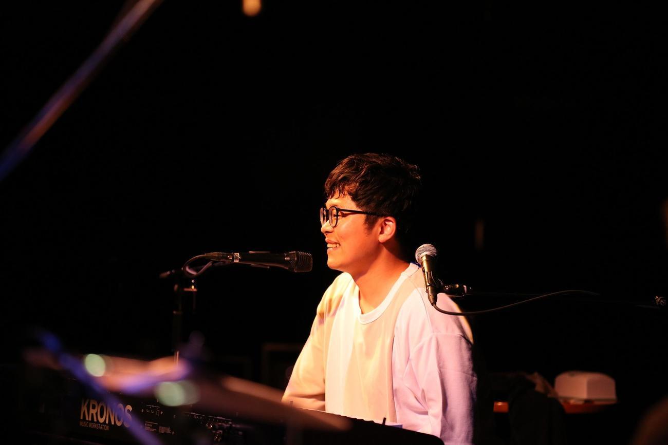 全国ライブハウスツアー初日公演を福岡で開催したさかいゆう