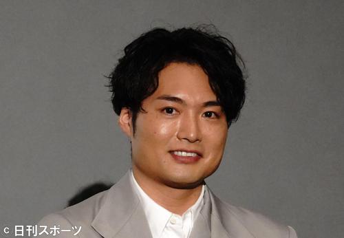 7月4日、映画の公開記念舞台あいさつに出席した八木将康