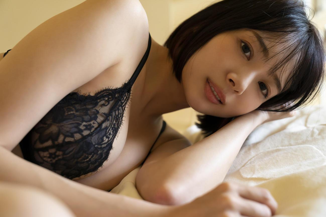 デジタル写真集「同棲生活」を発売する岡田紗佳