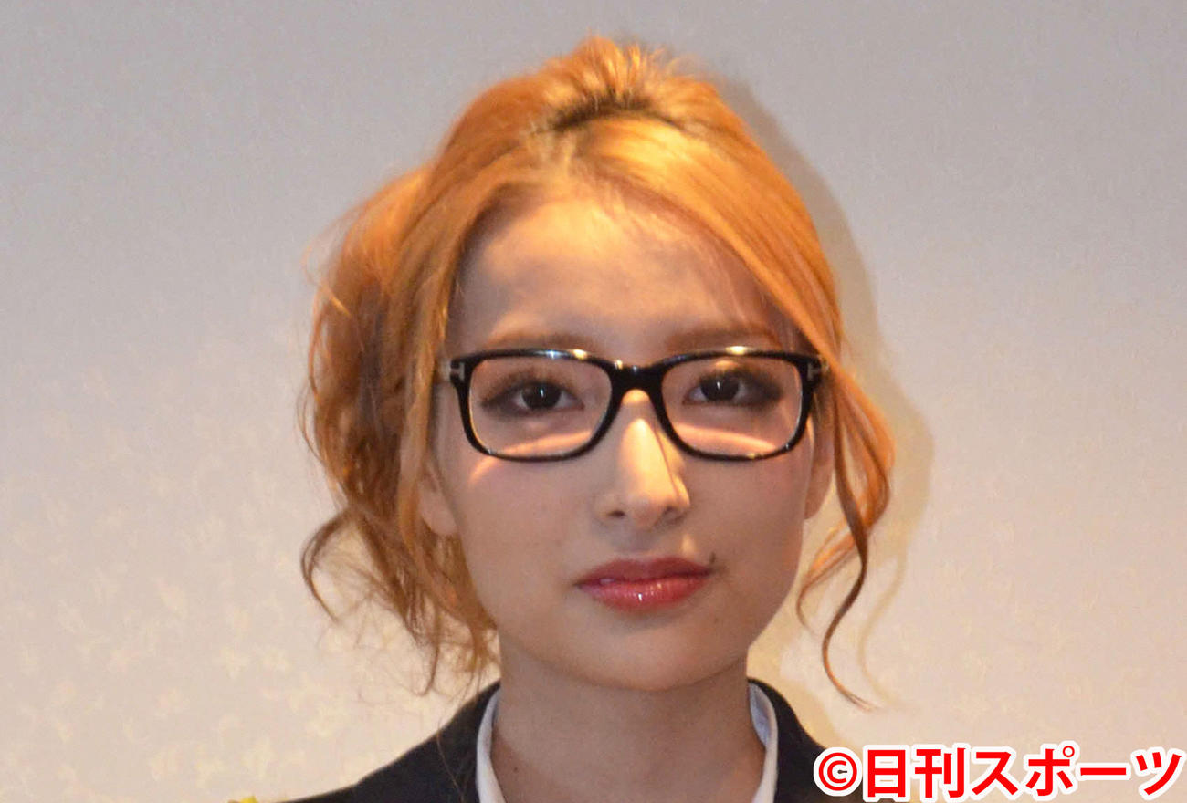 加藤紗里(17年1月撮影)
