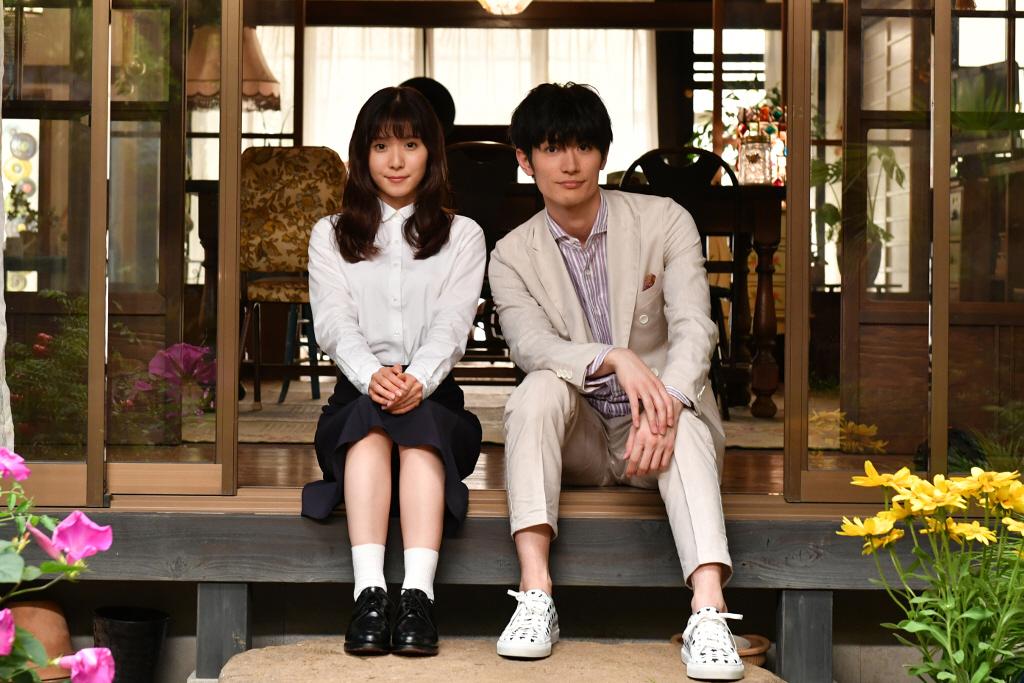 9月スタートのTBS系連続ドラマ「おカネの切れ目が恋のはじまり」に出演する松岡茉優(左)と三浦春馬((C)TBS)