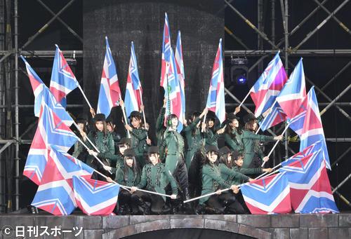 「欅共和国 2017」 富士急ハイランドで屋外コンサートを開いた欅坂46