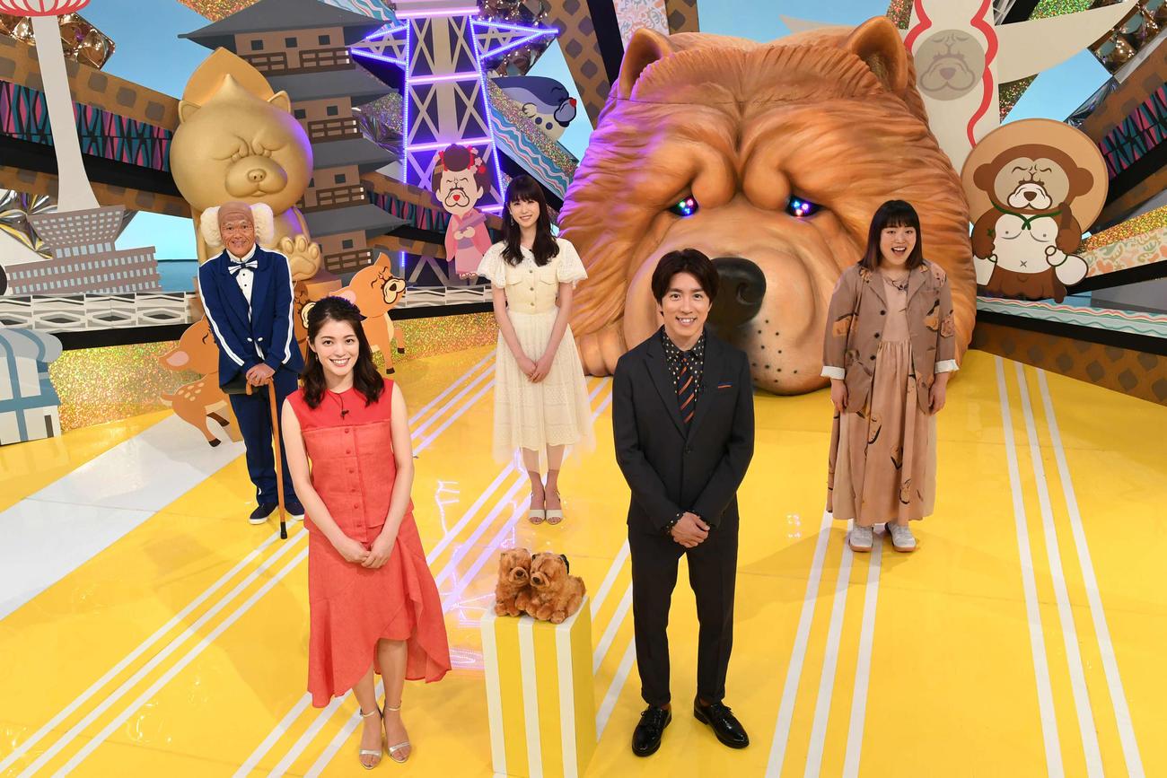 8月7日に放送されるNHK大阪「ちゃうんちゃう?」でMCを務める関ジャニ∞村上信五(前列右)(C)NHK