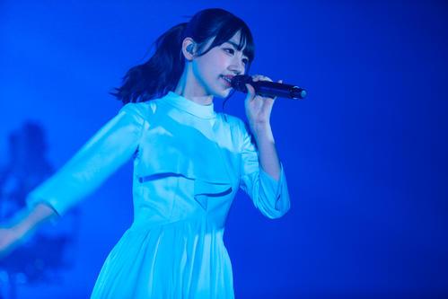 オンラインライブを開催した日向坂46佐々木美玲