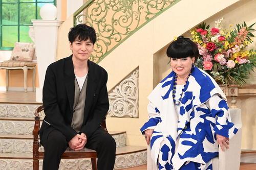朗読劇「ハロルドとモード」に出演する生田斗真(左)と黒柳徹子