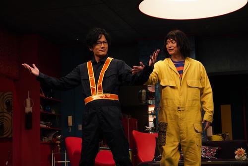 香取慎吾(右)主演のドラマで7年ぶりに共演する稲垣吾郎