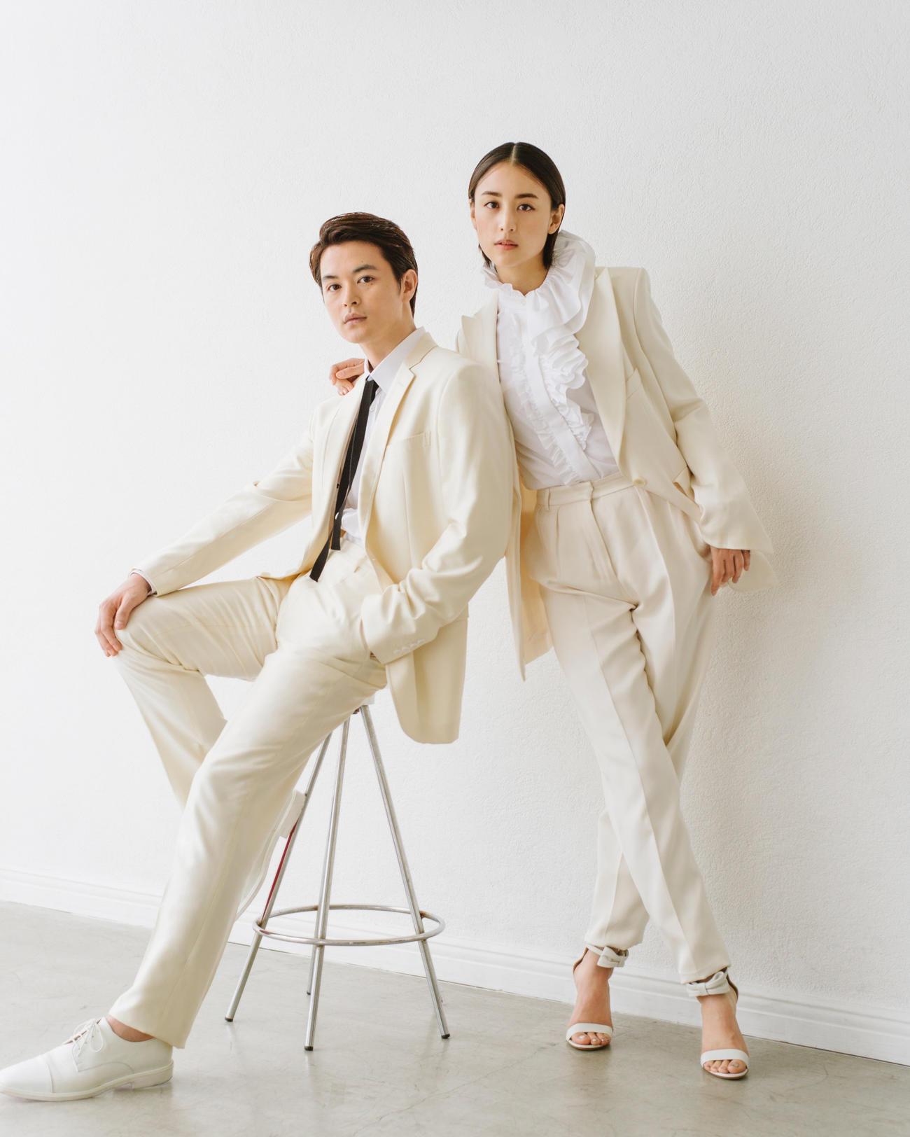 結婚したことを発表した瀬戸康史(左)と山本美月