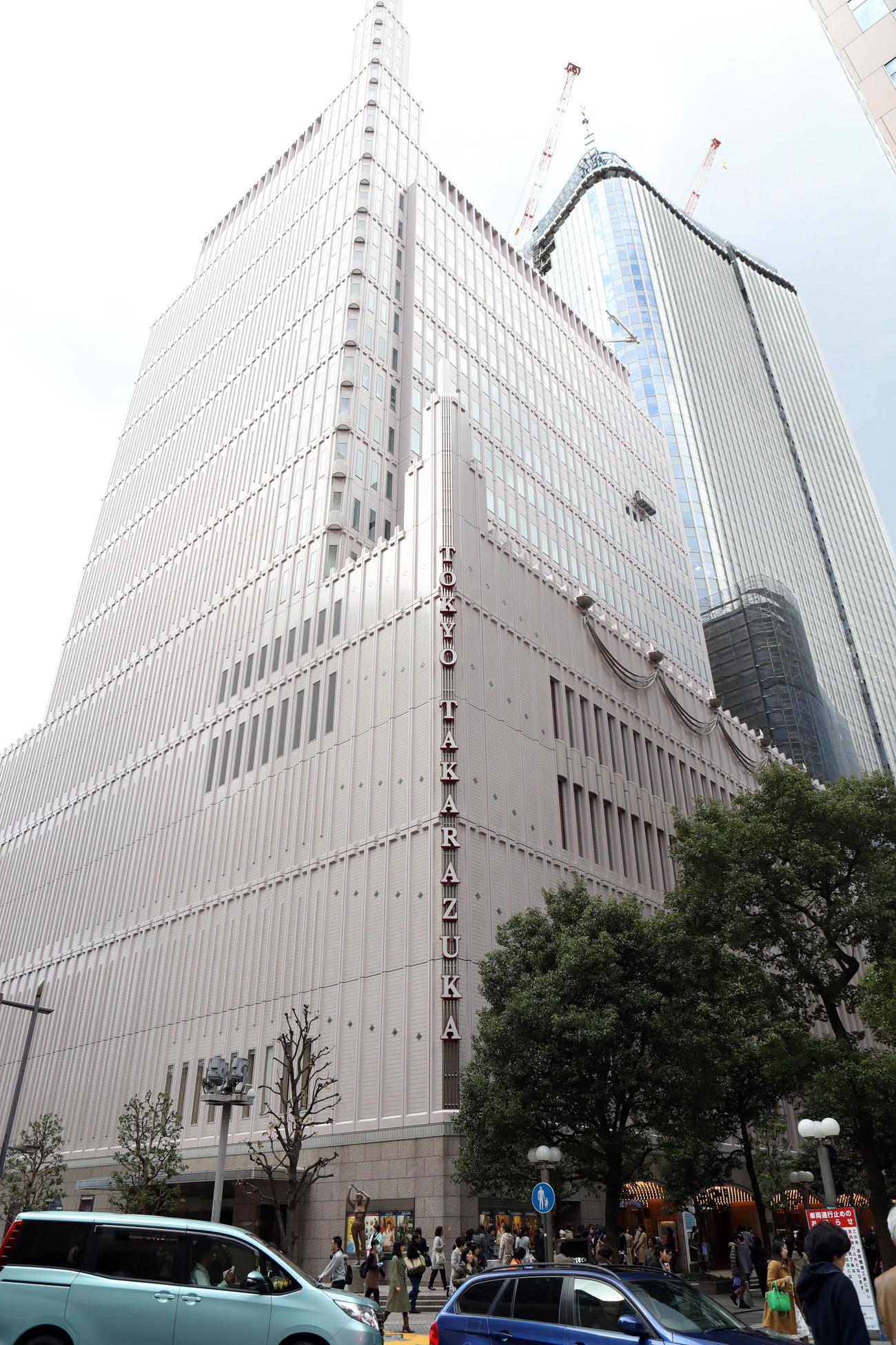 東京宝塚劇場(2016年12月23日撮影)