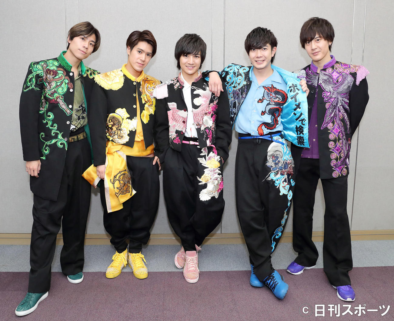 BOYS AND MENのメンバーたち。左から吉原雅斗、平松賢人、本田剛文、田村侑久、土田拓海(2020年3月10日撮影)