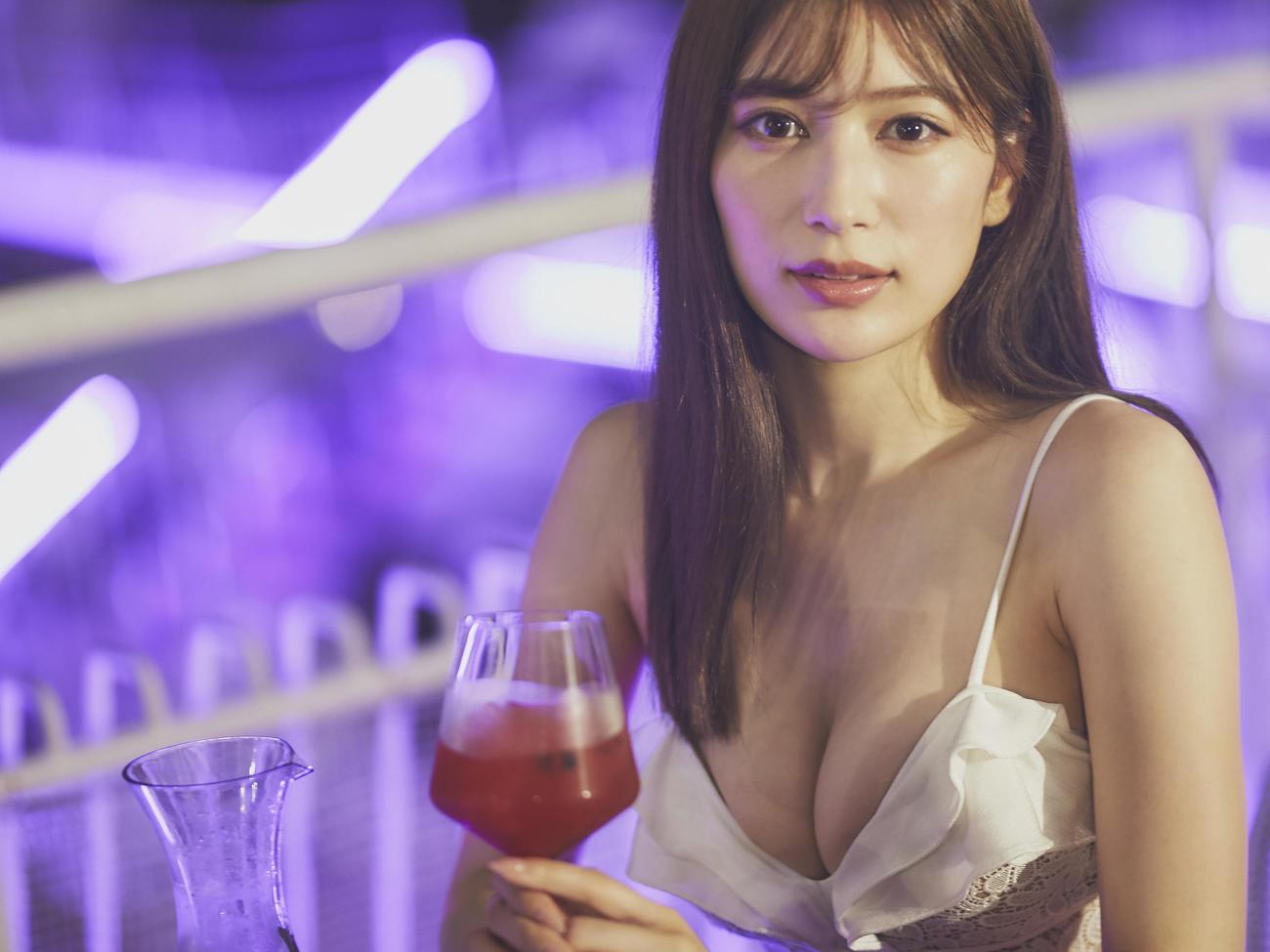 「東京カレンダー」の東京プールラバー2020にて水着姿を披露した雪平莉左(撮影 奥井俊介(C)shunsukeokui)