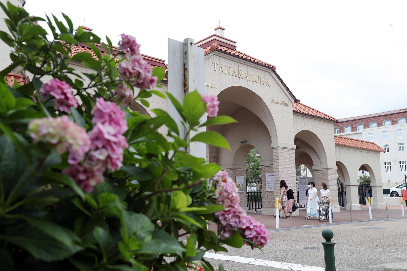 宝塚大劇場(20年7月撮影)