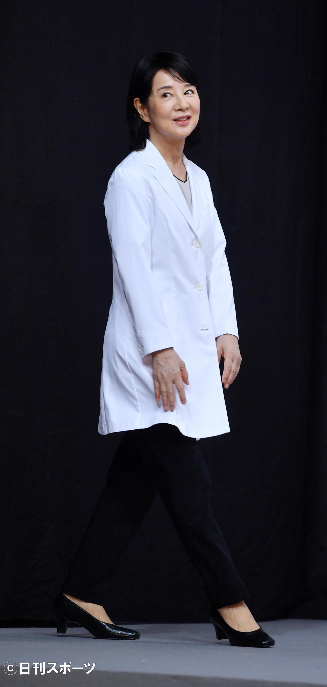 映画「いのちの停車場」の撮影現場会見で登壇する吉永小百合(撮影・柴田隆二)