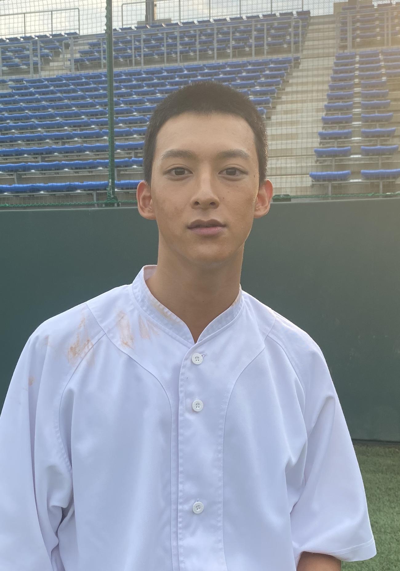 NHK連続テレビ小説「エール」で高校球児を演じるにあたり、丸刈り頭に初挑戦した伊藤あさひ