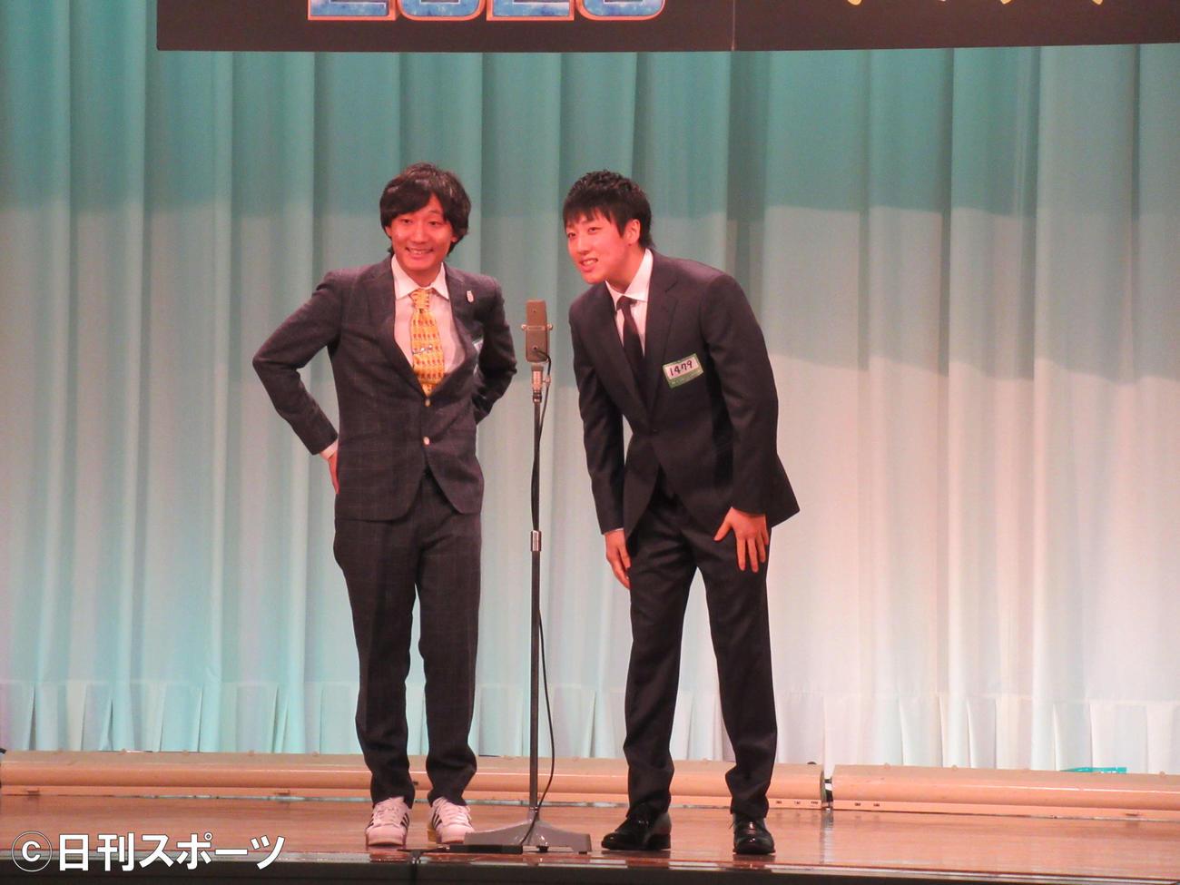 オール阪神の長男の高田隆平(左)と松谷流行(右)によるコンビ「きょうもかもがわ」はM-1グランプリ1回戦に再エントリーで出場した(撮影・星名希実)