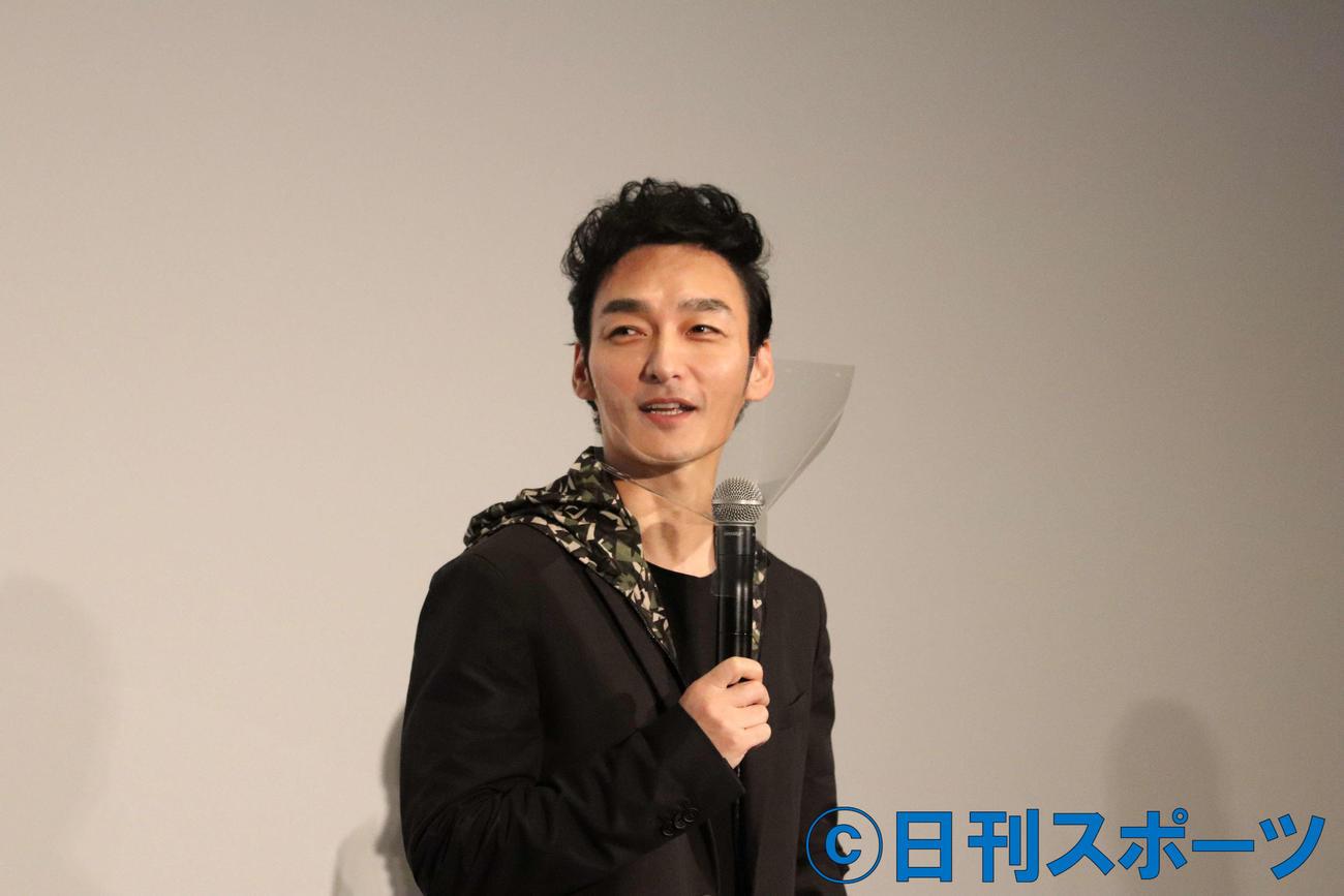 「ミッドナイトスワン」の公開記念舞台あいさつに出席した草なぎ剛(撮影・三須佳夏)