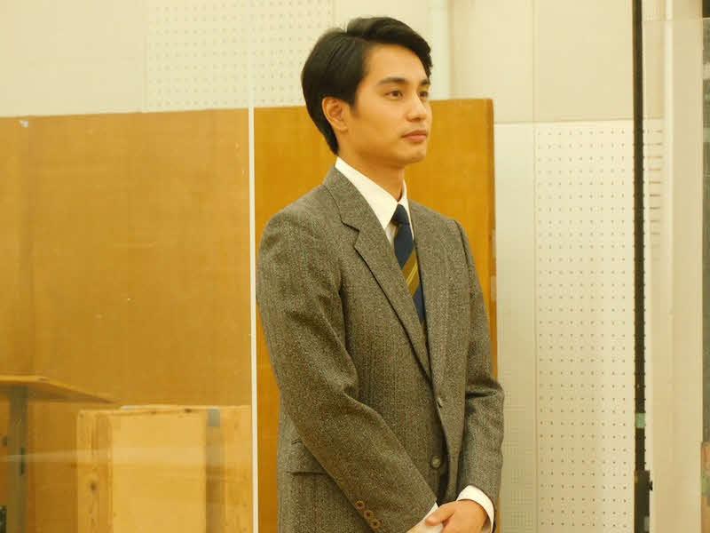 21日、ブログを更新し取材中ショットを公開した中村蒼