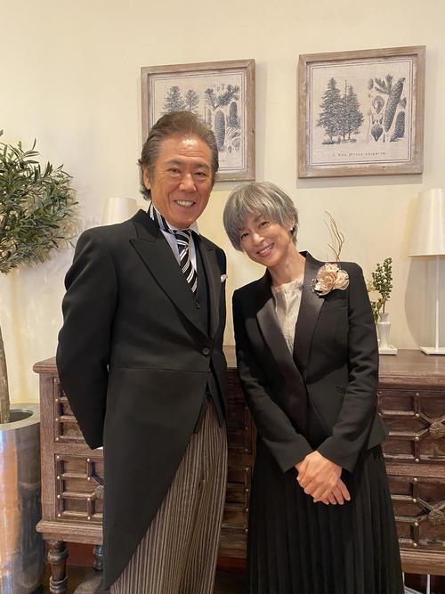 日本テレビ系連続ドラマ「35歳の少女」で29年ぶりに共演すること西岡徳馬(左)と鈴木保奈美