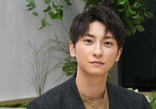 32歳の誕生日を迎え配信で新曲の発表やファンへの感謝を伝えたAAA與真司郎(撮影・大友陽平)