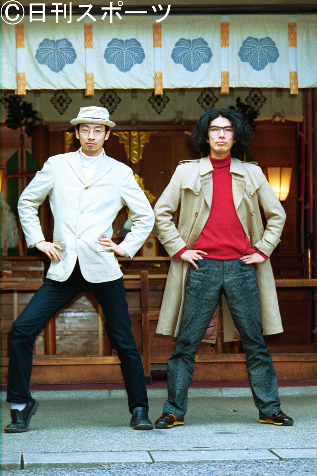 小林賢太郎(左)片桐仁(2001年2月14日撮影)