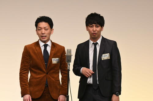 「M-1グランプリ2020」決勝進出を決めたニューヨーク。左が嶋佐和也、右が屋敷裕政(C)M-1グランプリ事務局