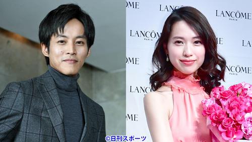 松坂桃李(左)と戸田恵梨香